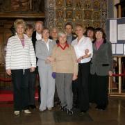 Grupowe zdjęcie uczestników warsztatów w Dworze Artusa